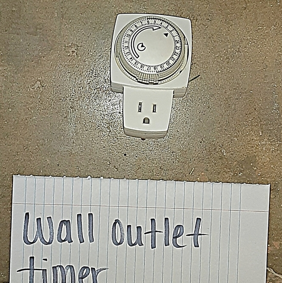 Wall outlet timer
